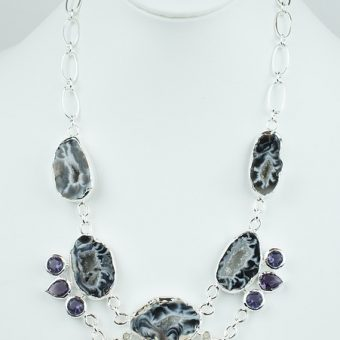 Necklace-with-gemstones