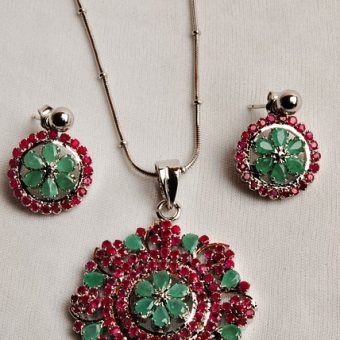 Necklace-with-earrings