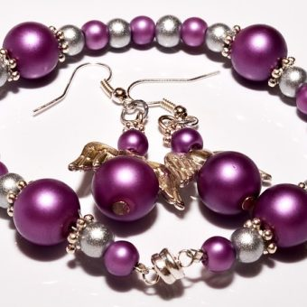 Pearl-bracelet-with-earrings