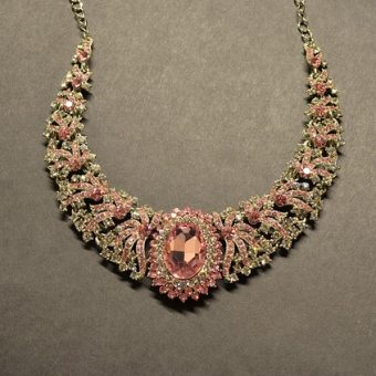 Luxury-necklace-for-girls