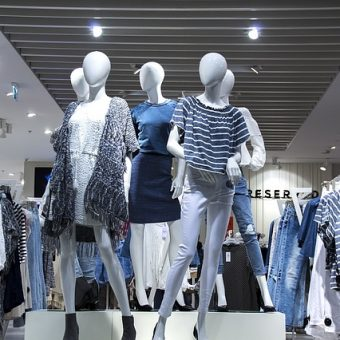 Mannequins-with-clothes