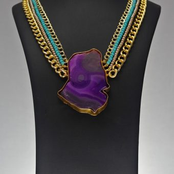 Mannequin-with-purple-stone-necklace