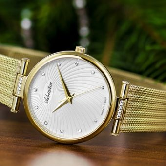 Fashion-gold-watch