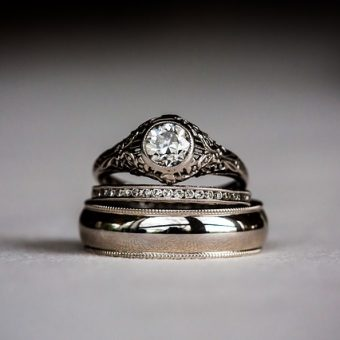 Silver-ring-with-crystal
