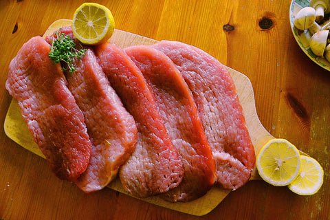 raw-meat-with-lemons