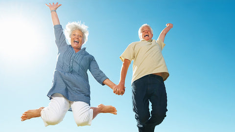 old-couple-happy-in-sunny-day