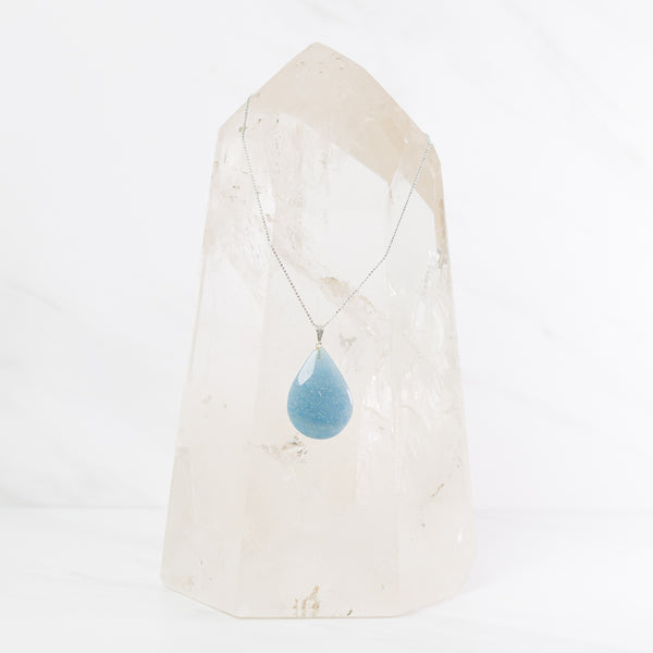 Trolleite teardrop necklace