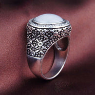 Vintage Ring WH