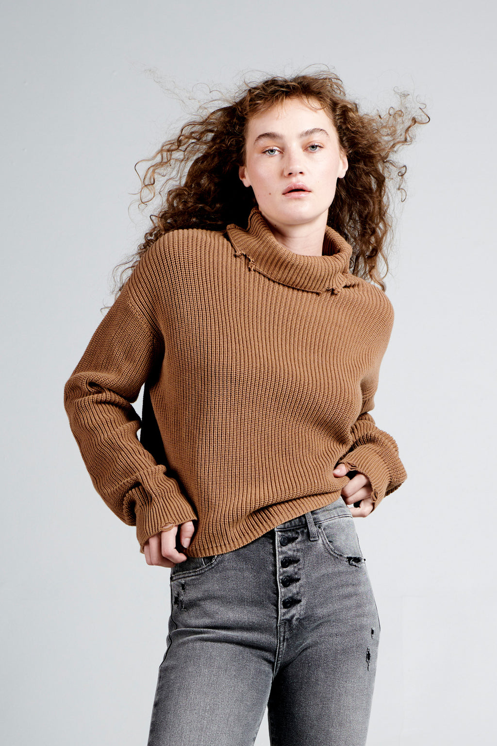 Brandy Turtleneck Pullover - Walnut