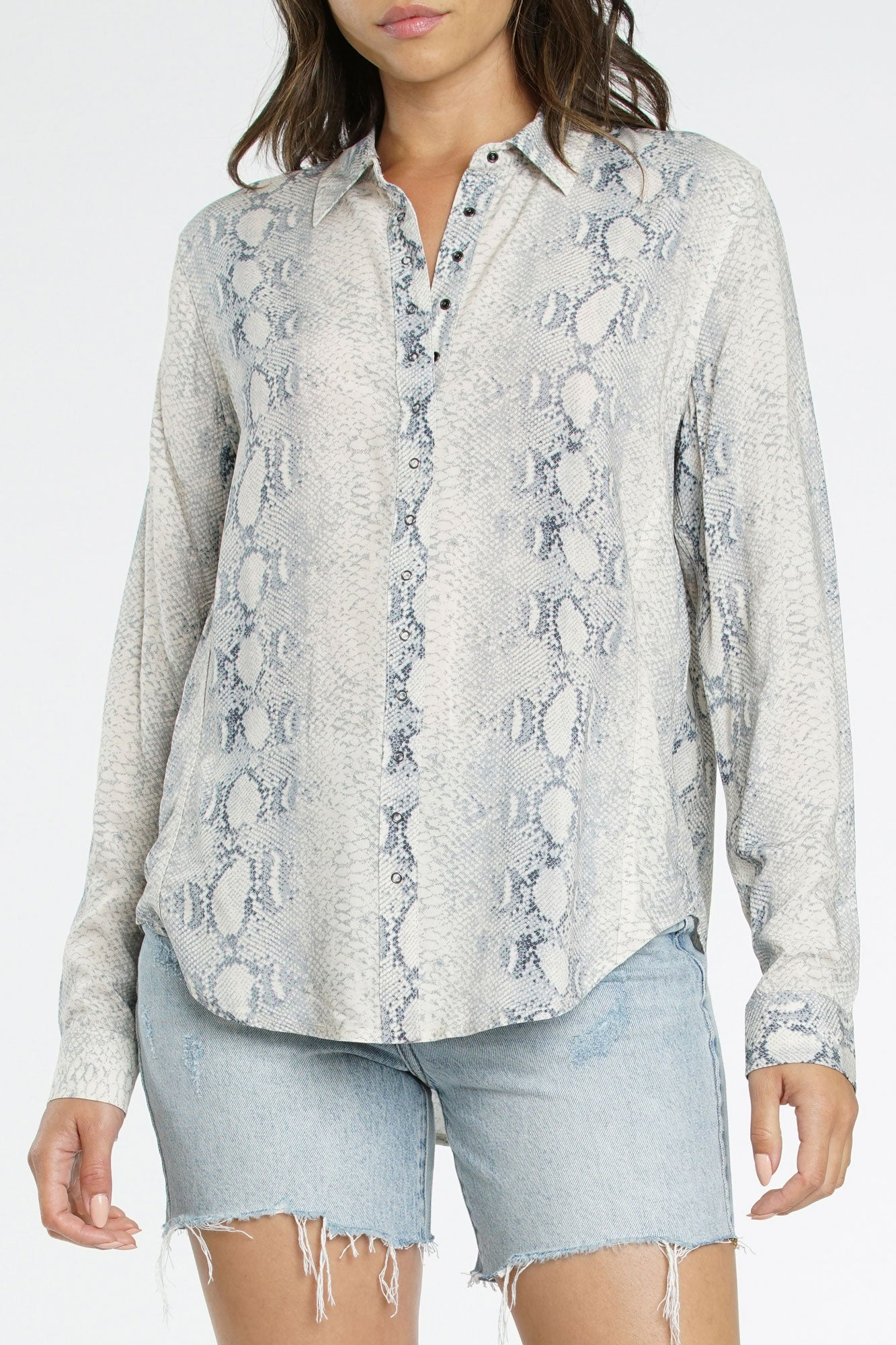 Elle Long Sleeve Front Snap Shirt - Grey Snake