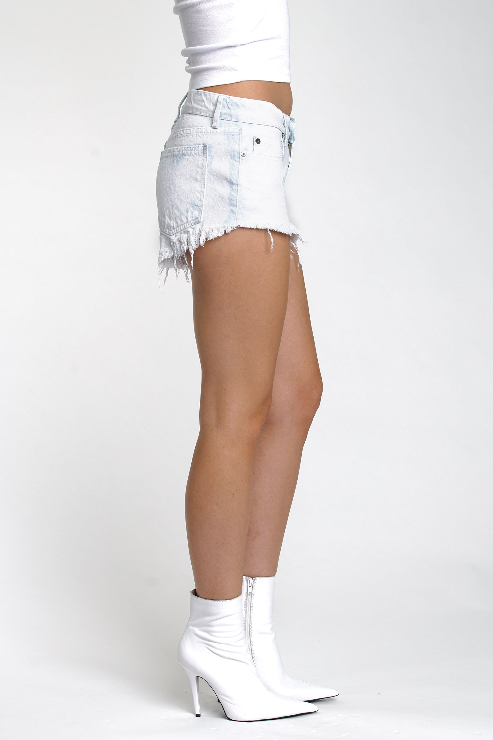 Gigi Low Rise Cut Off - Nimbus Acid Wash