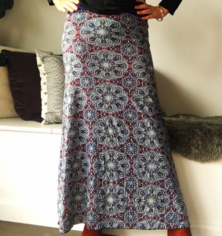 Maxi Skirt Jersy with Splits Navy and Maroon Print