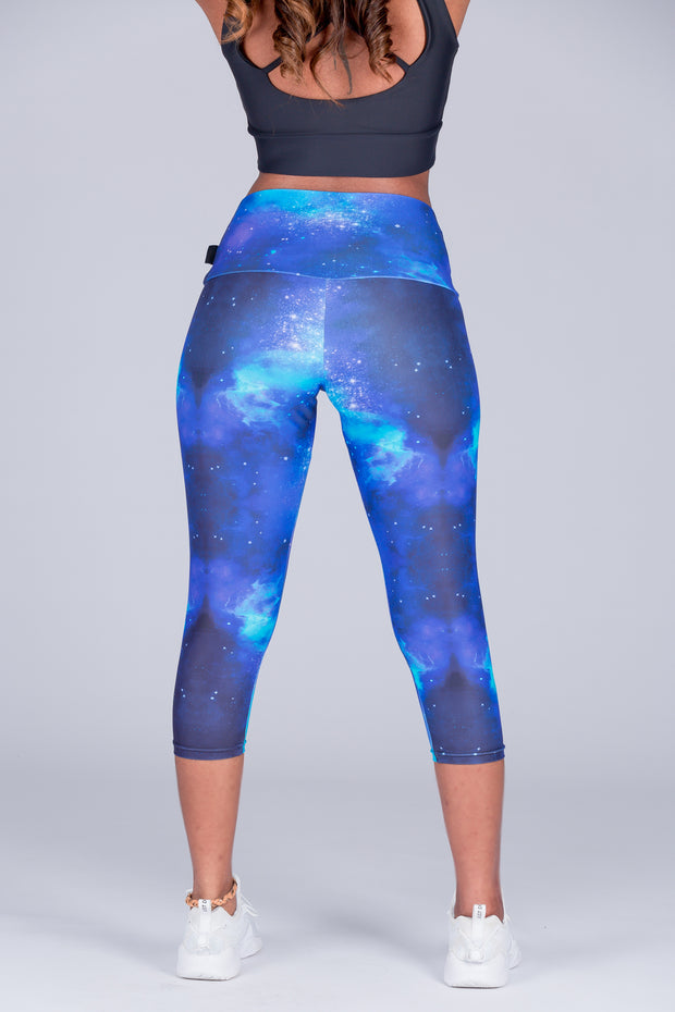 (R2W) Exotic Galaxy Performance - High Waisted Capri Leggings
