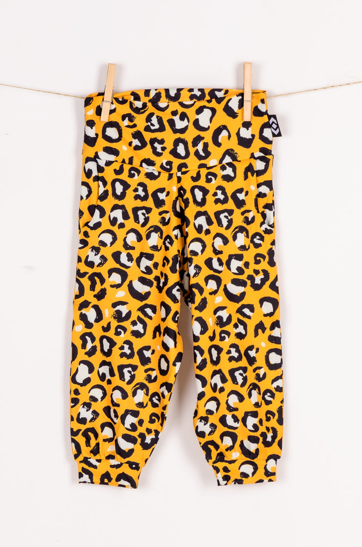 (R2W) Kitty Queen Soft to Touch - Kids Jogger Capris