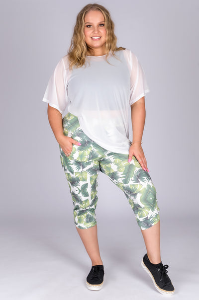 (R2W) Exotic Sanctum White Soft to Touch - Jogger Capris w/ Pockets