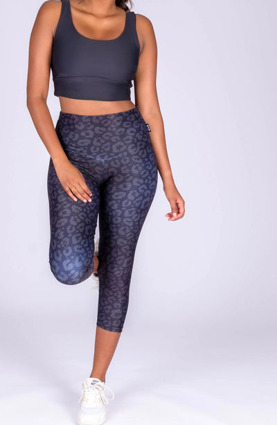 (R2W) Midnight Jag Performance - High Waisted Capri Leggings