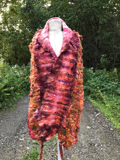 Giant statement scarf with knitting and felt - Burgundy - Mynoush