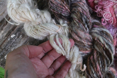 3 mini hand spun skeins kit - brown and pink - 100 grams - Mynoush