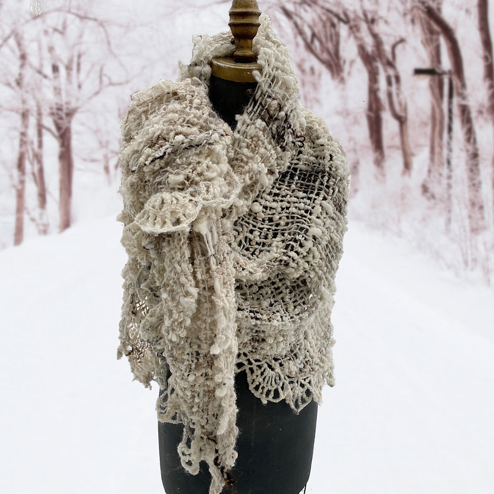 Snow White shawl with lace