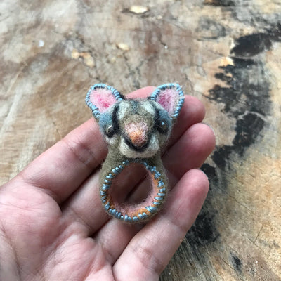 Cat felted ring size 7.5-8.5 - Mynoush