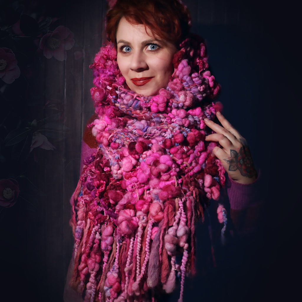 Roses - Woven scarf