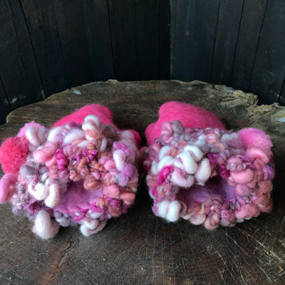 Pink felted mittens Mitaines roses en feutre - Mynoush