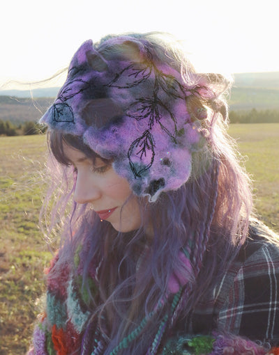 Purple felted headband with embroidery | Bandeau mauve en feutre avec broderie - Mynoush
