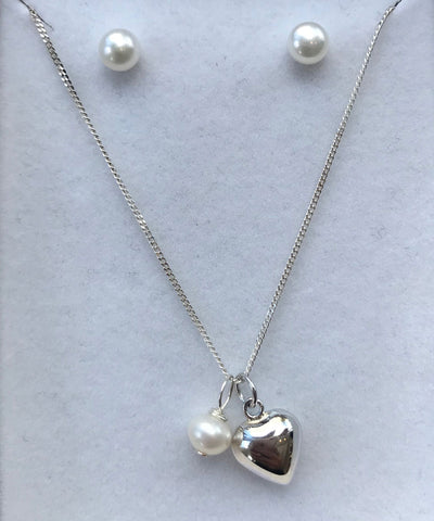 Freshwater Pearl & Sterling Silver Necklace & Earring Set