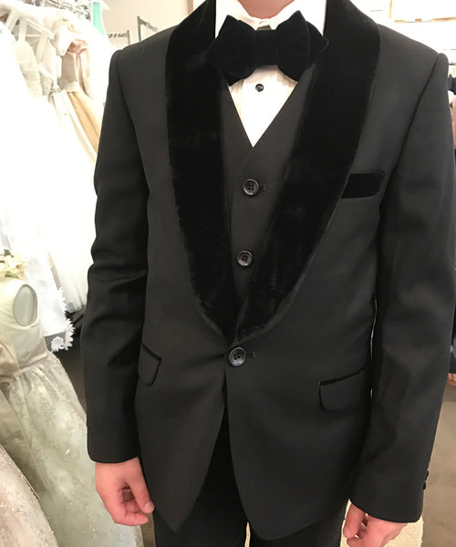 Isaac Mizrahi- Velvet Luxe Slim Fit 3 piece Tuxedo Set