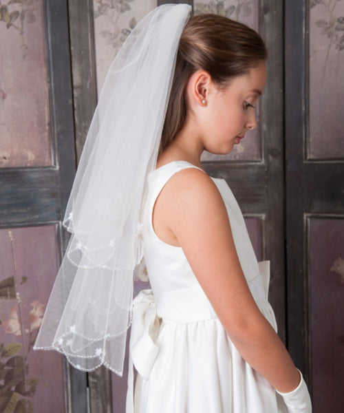 Scalloped Flower Trim Veil