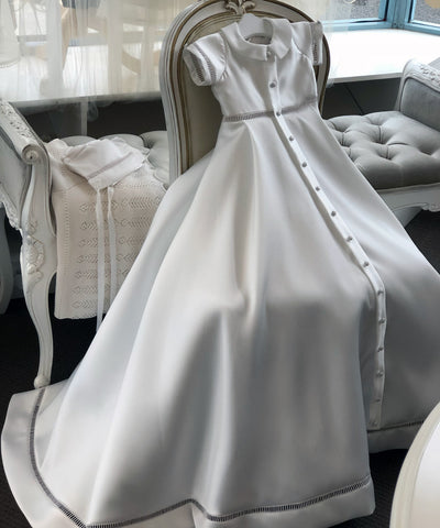Heirloom Monarchy Gown Set