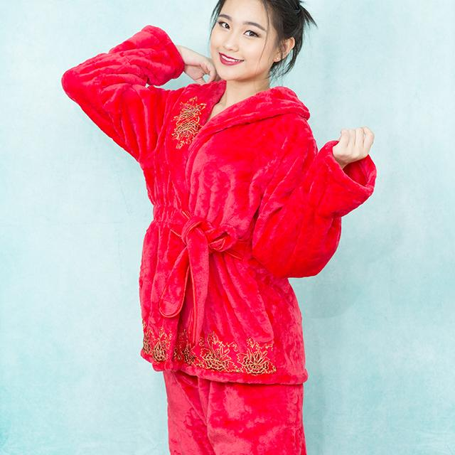 Plush Red Pajamas with Floral Appliqu?? | Sleepwear