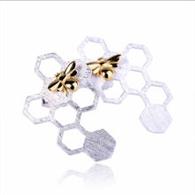 Jardin Honeycomb Stud Earrings