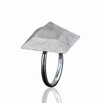 Jardin Pyramid Sterling Silver Ring
