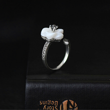 Mother of Pearl Flower Ring