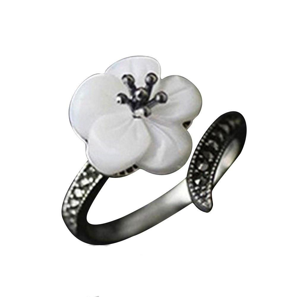 Mother of Pearl Flower Sterling Silver Ring