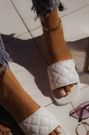 Amour - White Sandals