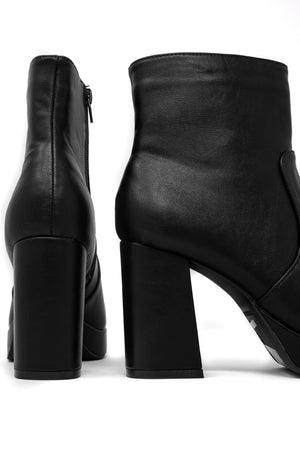 Chic Look - Black Booties
