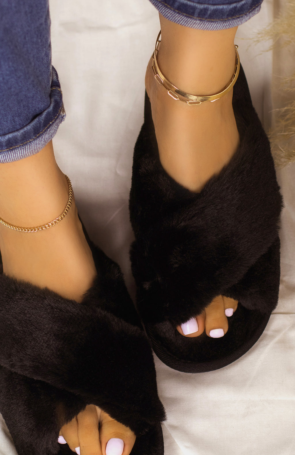 Easy Lounging - Black Sandals