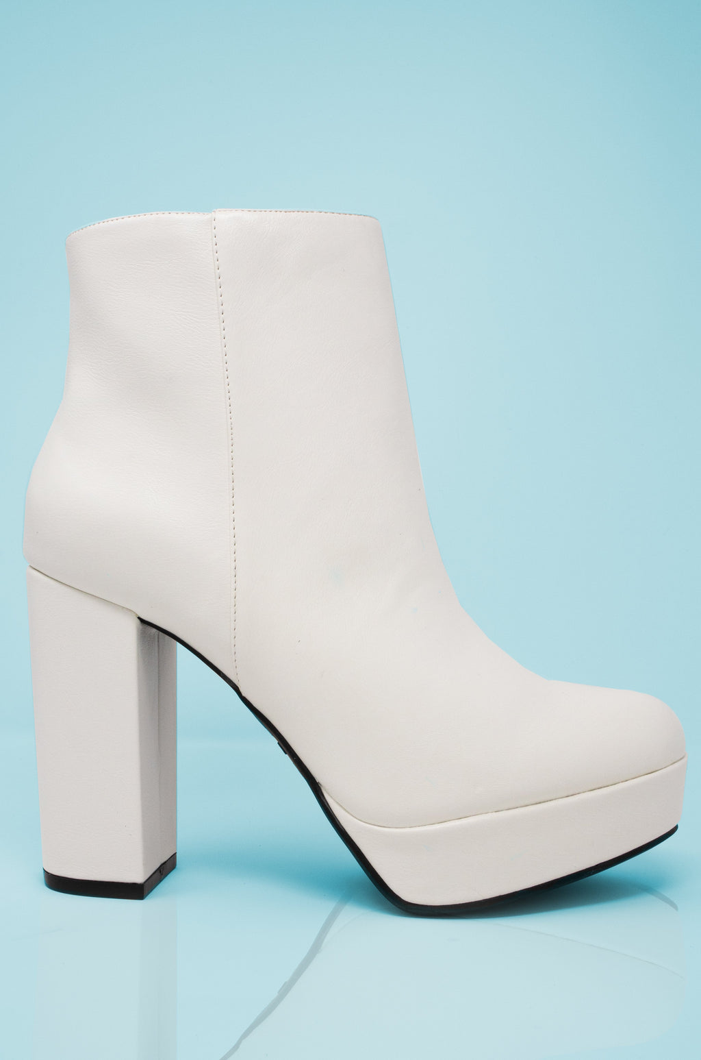 Envy - White Platform Heeled Booties