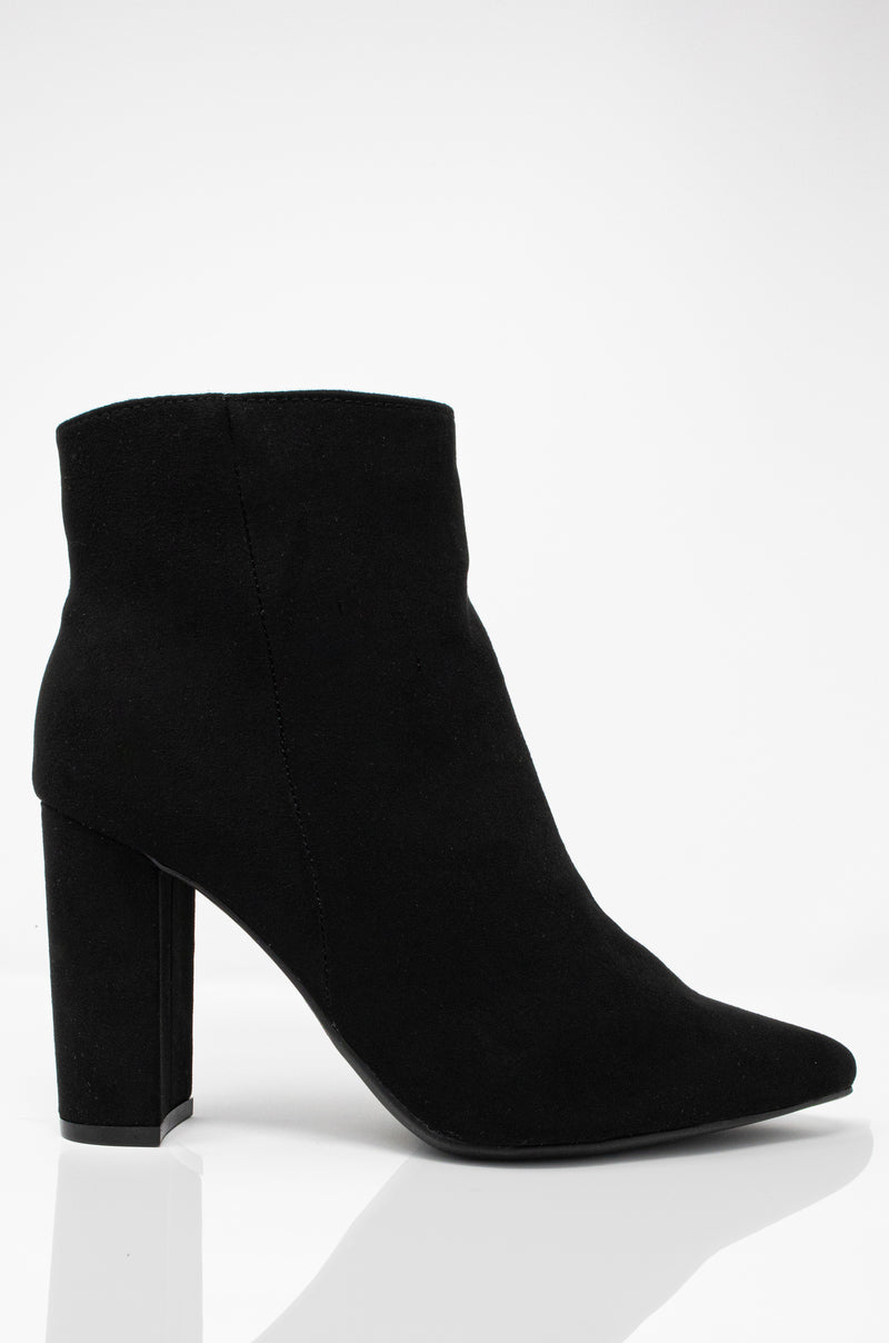 Gettin' All Dat - Black Pointy Booties