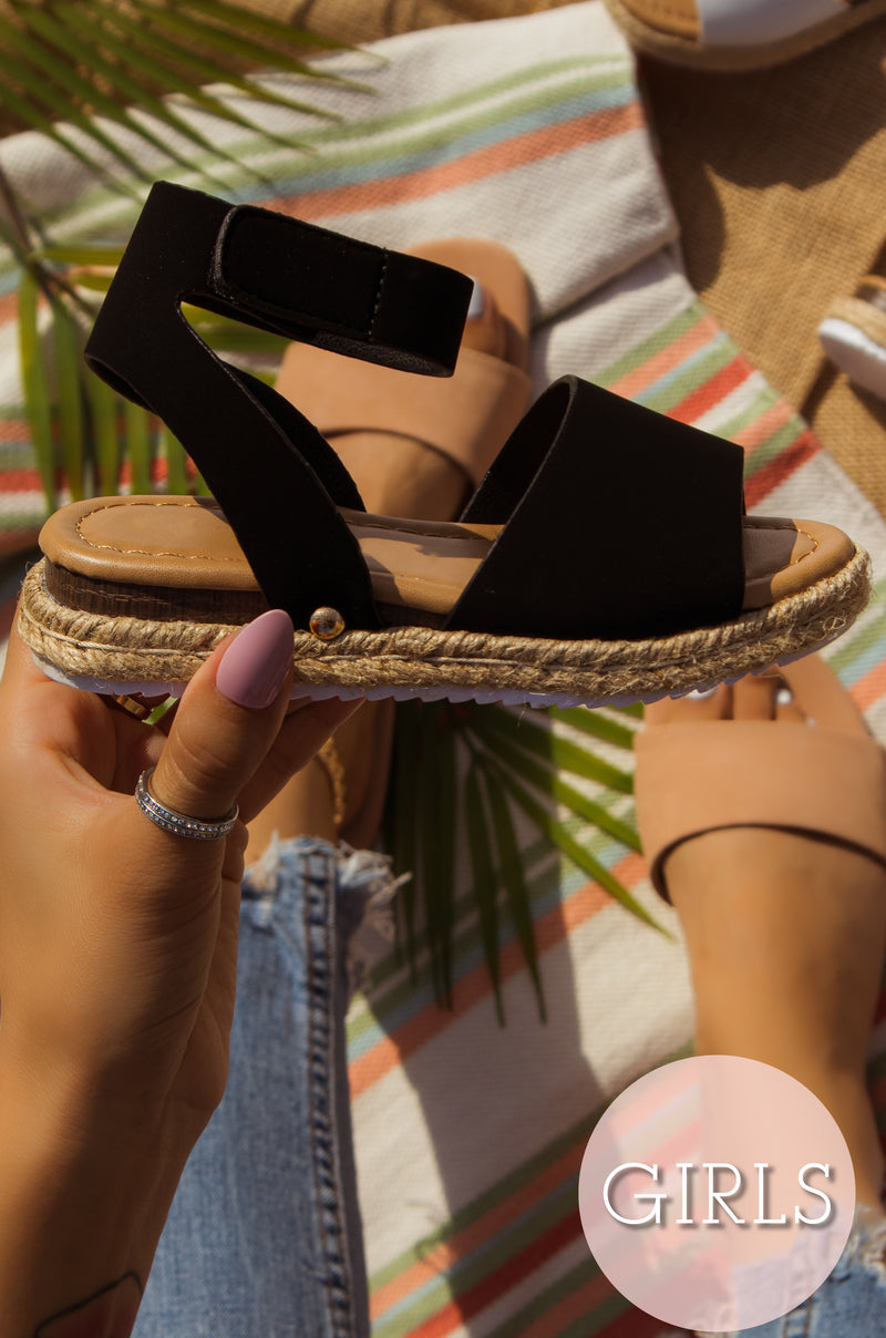 Lilly - Black Sandals