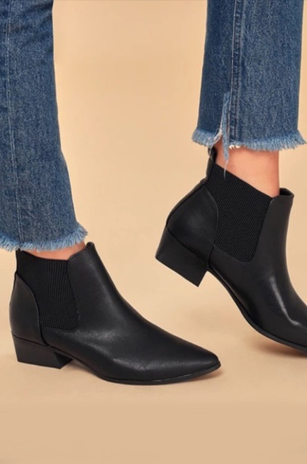 Motto - Black Pointed Toe Chelsea Booties