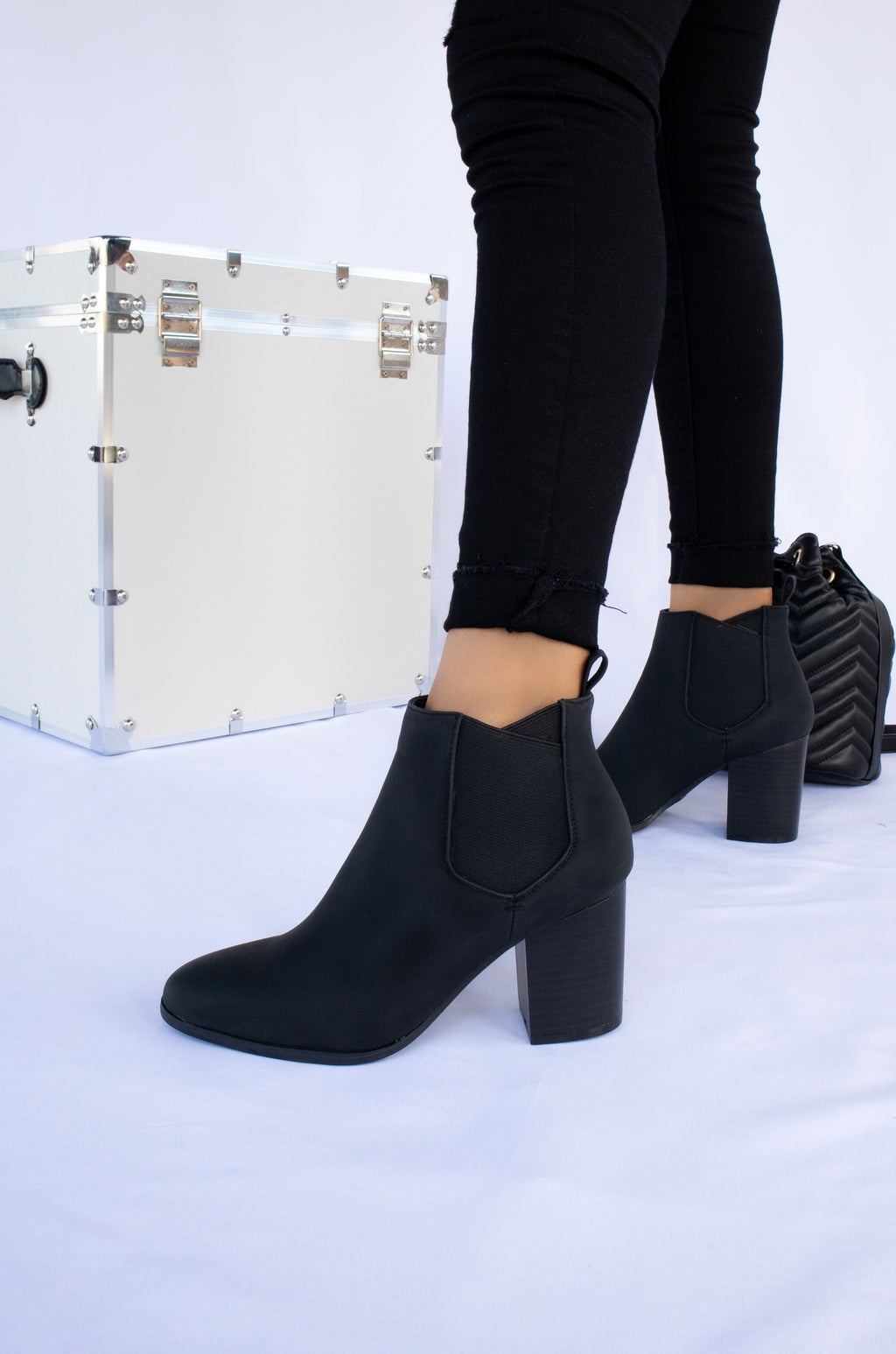 No Boundaries - Black Chunky Heel Booties