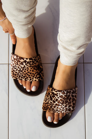 On Chill - Leopard Slides