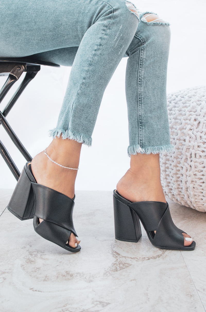 Ravishing - Black Mule Sandals