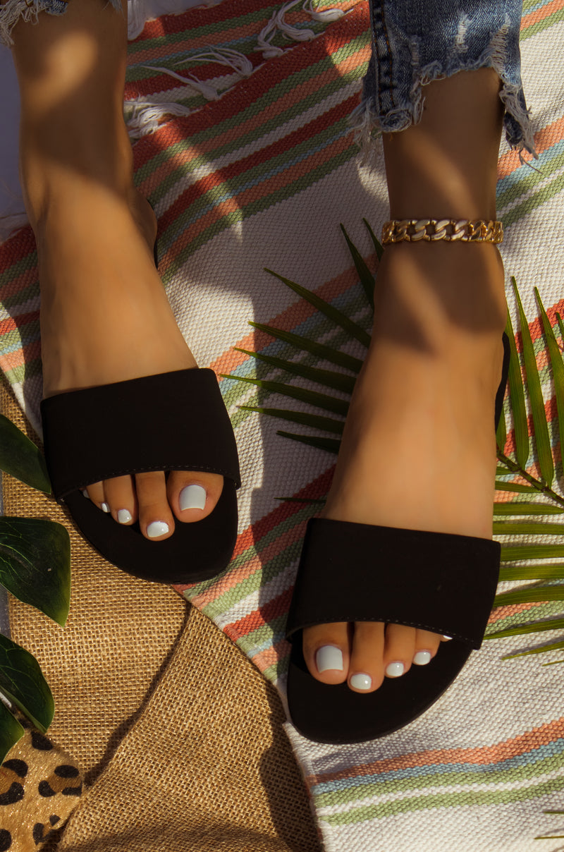 Resort Style - Black Sandals