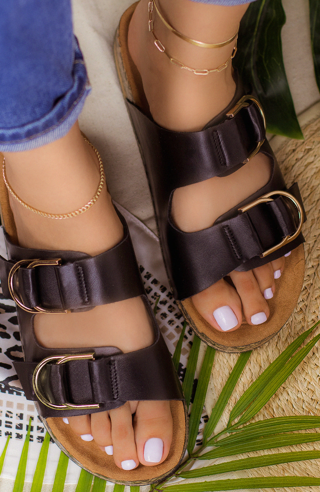 Seashell - Black Sandals