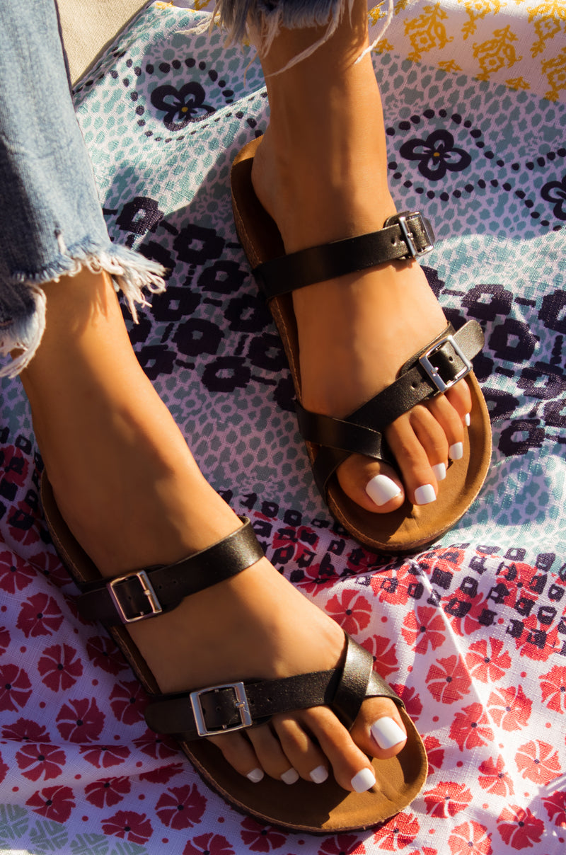 Tropical Adventure - Black Sandals