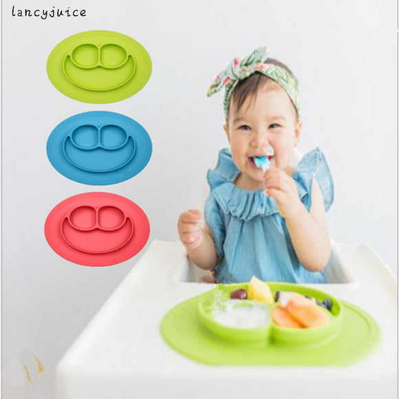 Antidérapant Assiette & Napperon en Silicone 2 en 1 Set de Table Happy Face Ventouse Placemat pour Enfant Bébé- Passion's Store